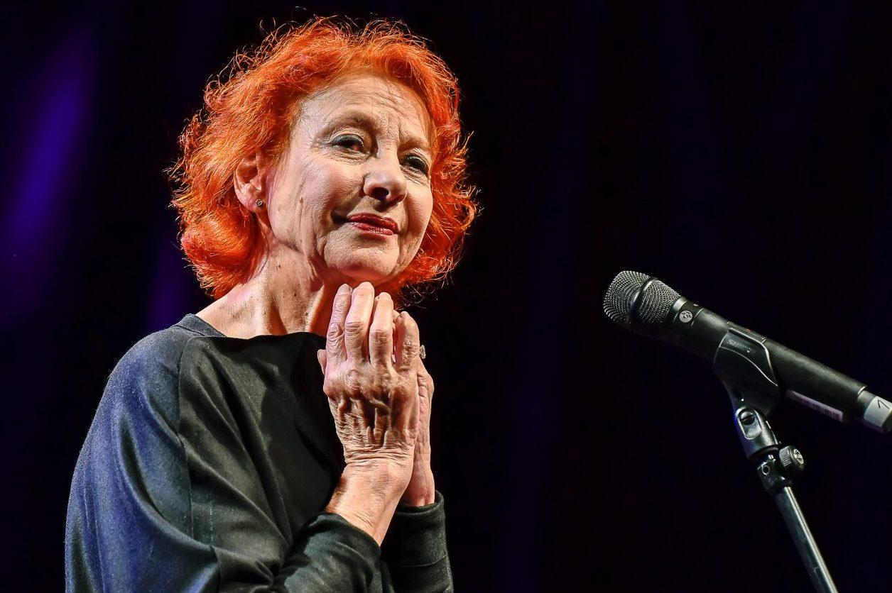 Esther Ofarim - Concert in Braunschweig, Germany